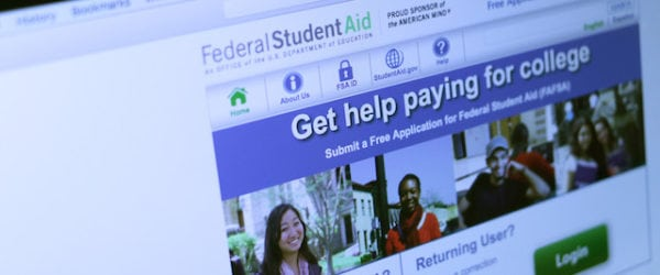 Can I Get Financial Aid Attending Online Community College?